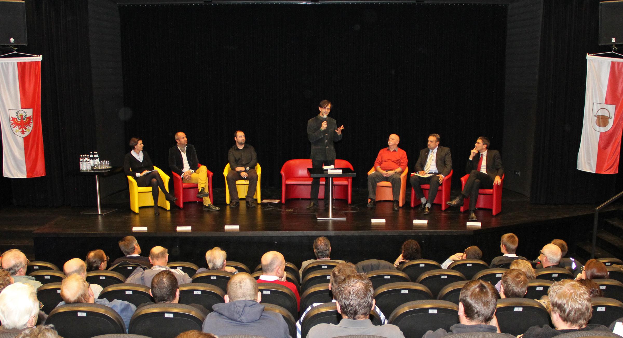 Toponomastikabend in Kaltern: Ortsnamenproblematik wieder ein heißes Diskussionsthema